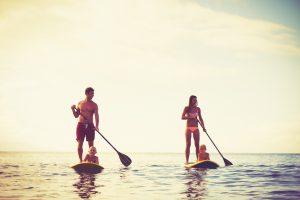 foto audiencia segmentada jovenes empresa turismo rentable
