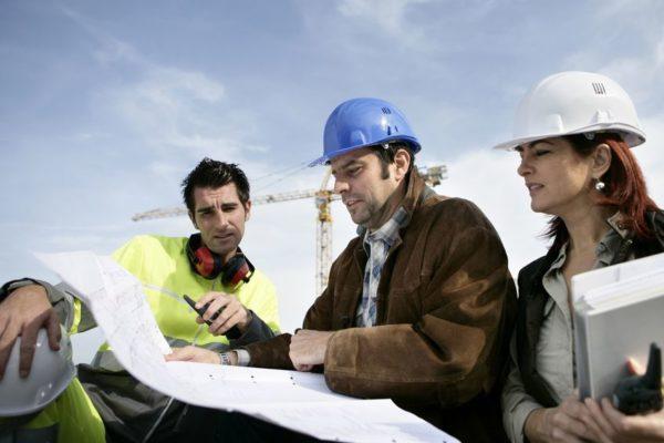 FOTO: Arquitectos prescriptores evaluando un proyecto